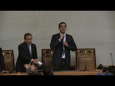 Juan Guaido accède au siège de président du Parlement | AFP Images