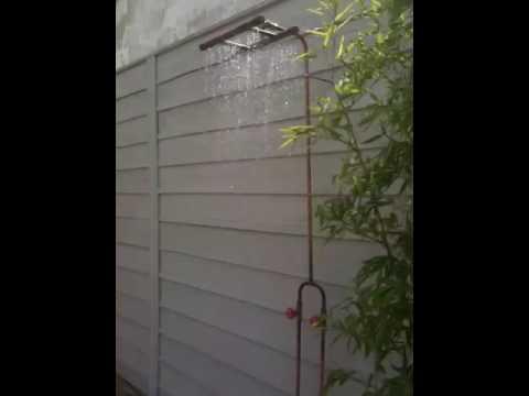 La douche exterieure de la maison roulante de conception - Frederic tabary ...