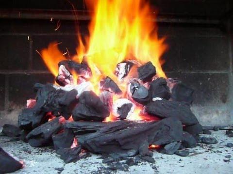 Encendiendo el carb n doovi for Como encender una barbacoa