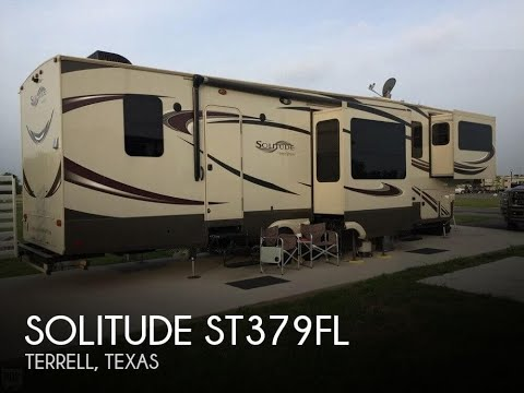 Used 2015 Solitude ST379FL for sale in Terrell, Texas
