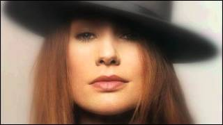 Watch Tori Amos Happiness Is A Warm Gun video