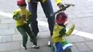 Amazing Puppet Dancing