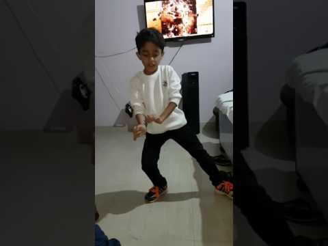 Beat Pe Booty Dance Performance By Ishaan Sharma A Flying Jatt Song
