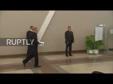 Russia: Putin casts vote in parliamentary elections