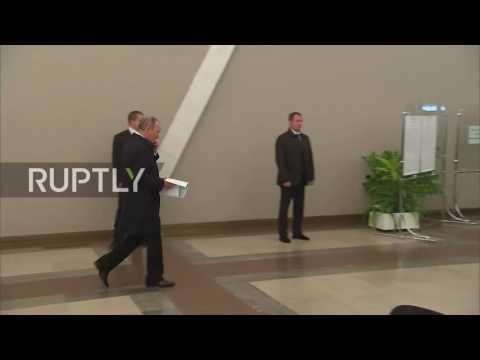 Russia: Putin casts