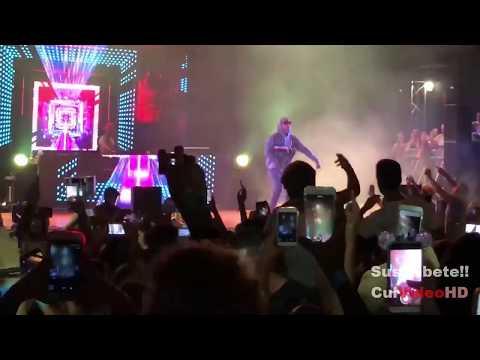 Bad Bunny ft yandel y Nacho Bailame En Vivo
