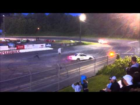 Saratoga Speedway - Police Car Limo Jump