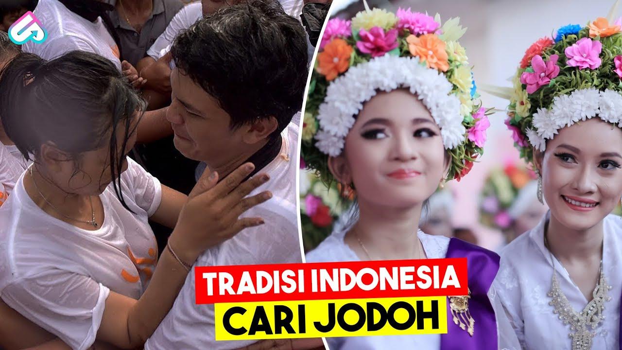RITUAL MUSIM KAWIN YANG BIKIN SYOK! Inilah 8 Tradisi Cari Jodoh Paling Unik di Indonesia