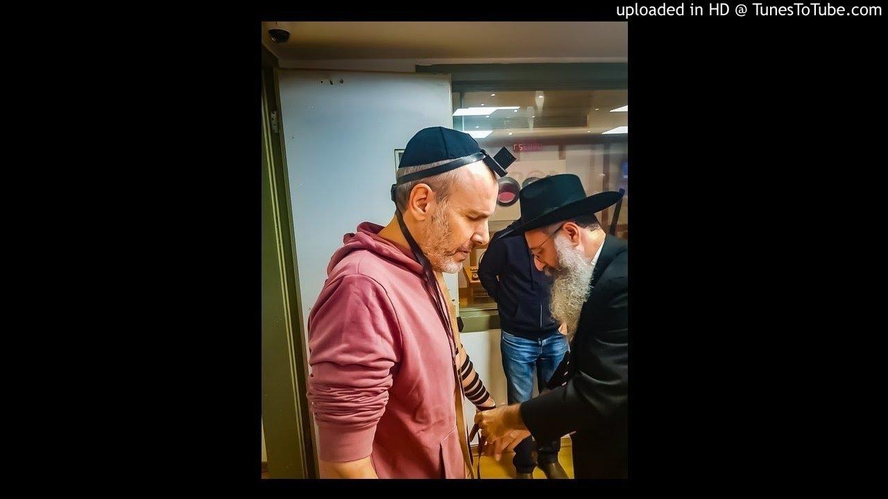 לאחר 30 שנה: שי גולדשטיין מניח תפילין
