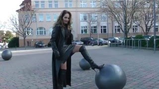 Lederlady - Herrin Barbara von Stahl im exklusiven Fetisch-Leder-Outfit