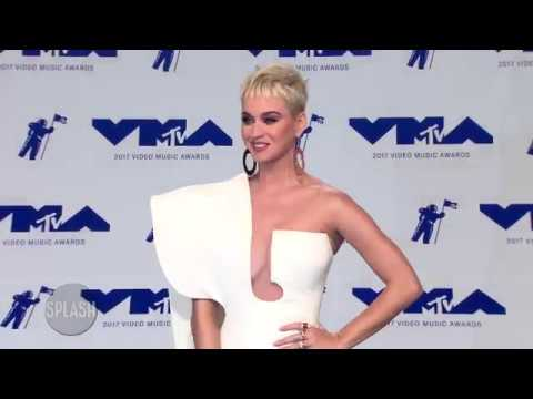 Katy Perry says 'opposites attract' with Orlando Bloom | Daily Celebrity News | Splash TV Mp3