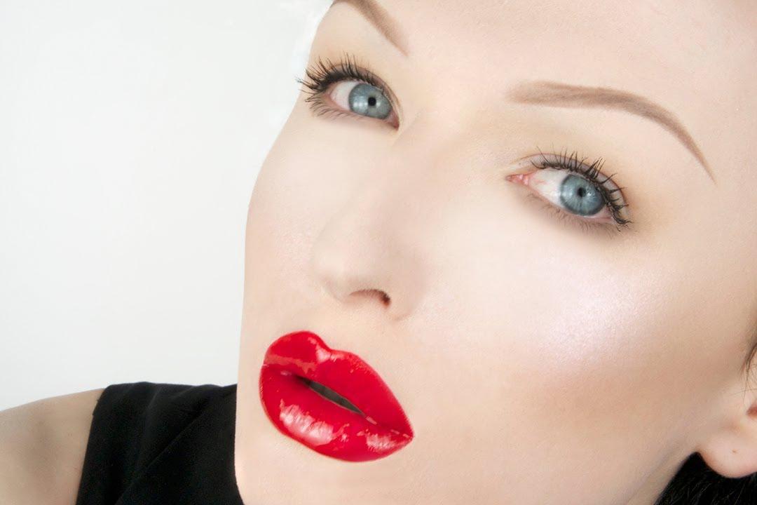 Lipstick Glossy Red Lips