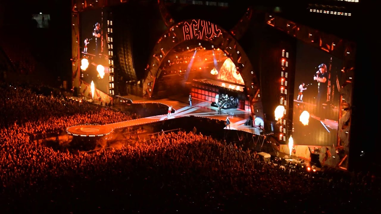 ac dc highway to hell live wembley 2015 youtube. Black Bedroom Furniture Sets. Home Design Ideas