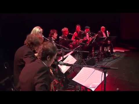 The United Kingdom Ukulele Orchestra plays - Mamma Mia -