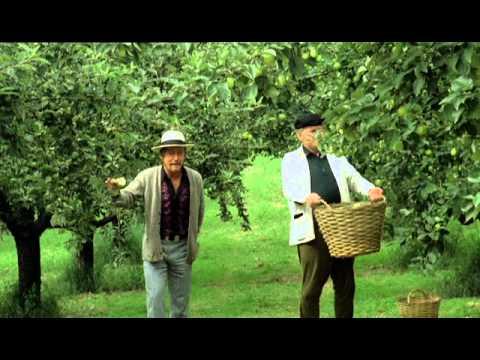 Äppelkriget - Gösta Ekman och Hans Alfredson diskuterar äppeldrycksnamn