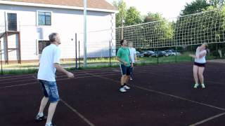 Суровый уличный волейбол с друзьями Андрюши в Кингисеппе. Лена