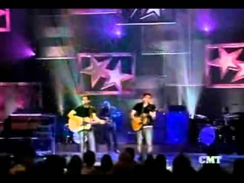 Brad Paisley And John Mayer Daughters Live