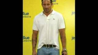 Johnny Messner - Cyclone