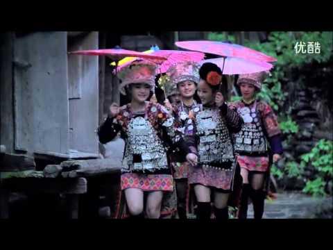 雷艳 Lei Yan - 《天下苗家》 World Hmong/Miao (Hmoob Hauv Ntiaj Teb) MV