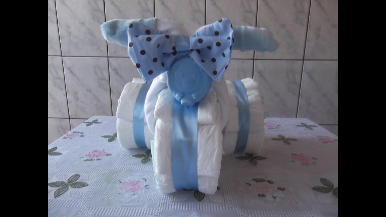 Como fazer triciclo de fraldas para chá de bebe YouTube -> Decoração Para Chá De Fraldas Masculino Passo A Passo