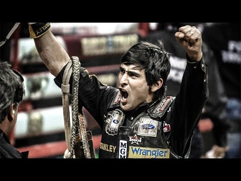 2014 PBR Season Recap: World Champion Silvano Alves