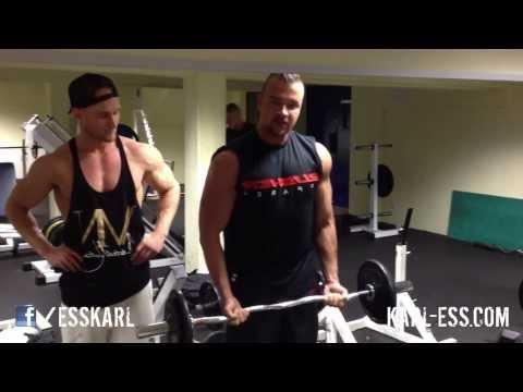 Kollegah und Farid Bang - JBG 2 Tour Stuttgart - Bizeps Training im Fitness Studio Karl-Ess.com