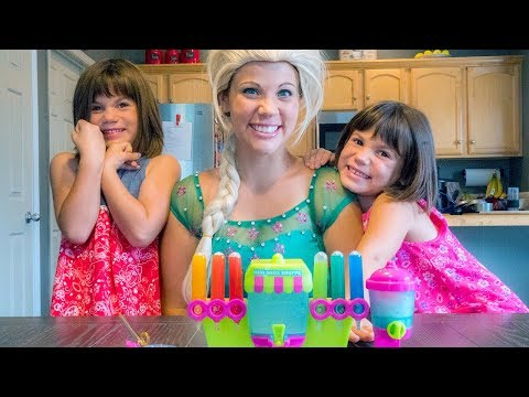 Frozen Elsa and Twins Kate & Lilly play Yummy Nummies Mini Kitchen Soda Shop!