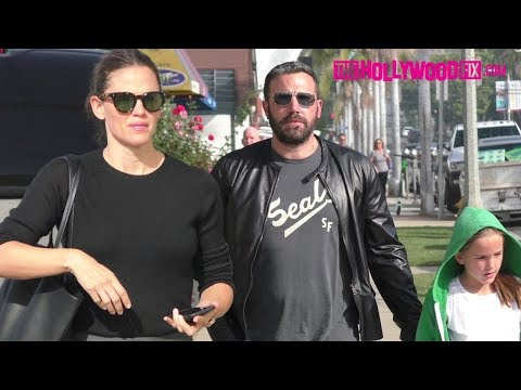 Ben Affleck & Jennifer Garner Put On A United Front With The Kids At Sunday Morning Church Service
