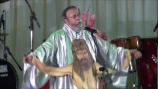 Padre Antônio Maria em Macaparana- NINGUÉM TE AMA COMO EU