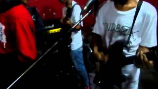 Download lagu Thunder Bolt - Masa Lalu ( live at Kedai 9 Kunciran - Tangerang )