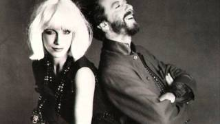 Watch Eurythmics Somebody Told Me video