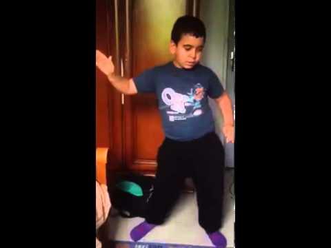 Petit rebeu qui danse youtube - Petite souris qui danse ...