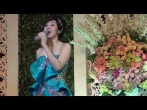 HD LIVE  Chuan Qi 传奇 By Huang Jia Mei 黄家美