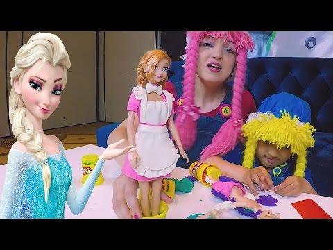 Anna y Elsa de Frozen Vestidas en PlayDoh igual que Las 2 Muñecas S2:E105