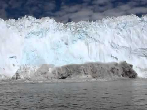 Buz dağı kırıldı tsunami oluştu