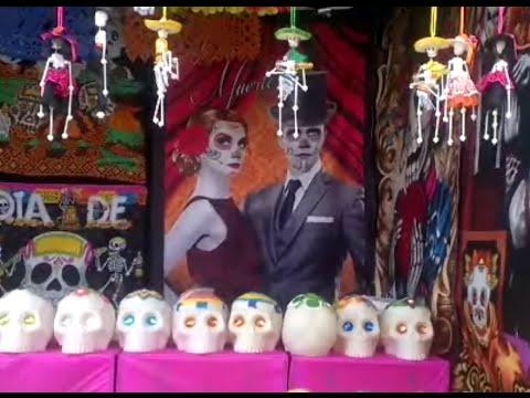 Feria del muerto en Guadalajara !!! Feria del carton (parque Morelos)
