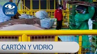 El carton y el vidrio dos tesoros en la mira de los recicladores callejeros en Colombia