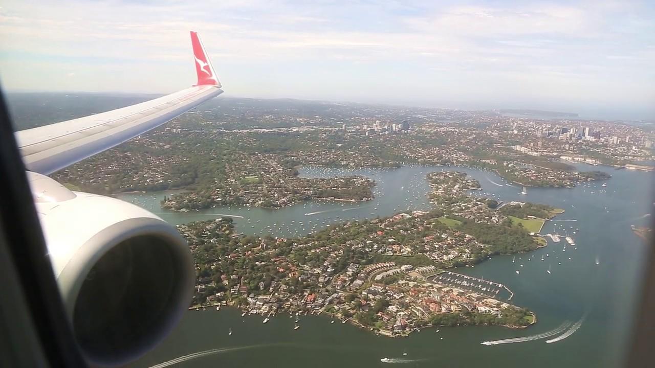 Download Qantas Boeing 737 Landing - Sydney (QF 438)