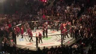 UFC 202 McGregor vs Diaz Round 1
