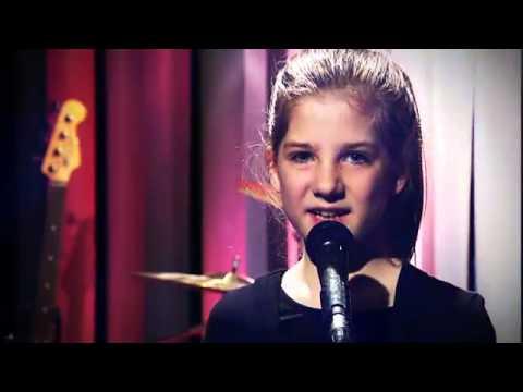 "Astrid ""Et kvarter"" - MUSIKVIDEO MGP 2012"