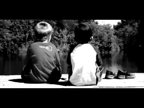 Leonard Vijelie - Prietenia ca zapada se topeste HIT 2012 ( C0Smin 4ever )