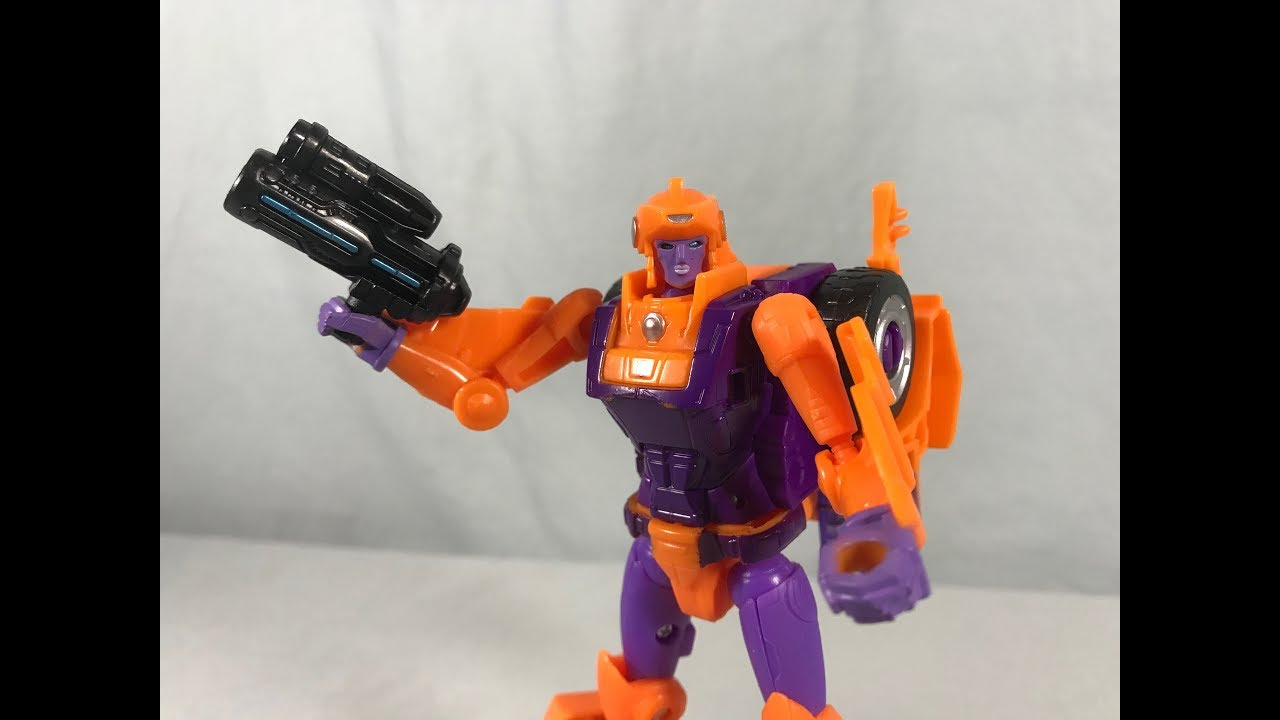Exclusive Transformers Generations Selects Deluxe Lancer
