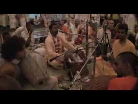 Naru Gopal - Hare Krishna Bhajan in Mayapur