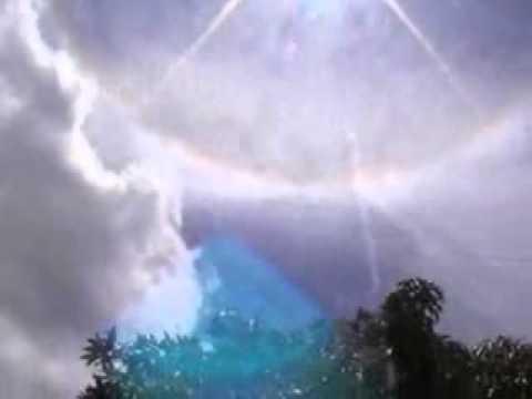 vầng hào quang tại linh địa đức mẹ tà pao lúc 10h15