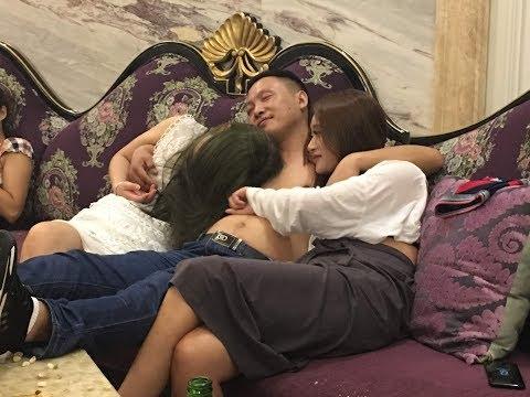 Караоке KTV в Китае. Отмечали день рожденья - разнесли всю комнату