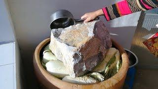 农村妈妈展示中国东北腌酸菜,这样腌不臭还不烂,味道纯正||胖嫂show