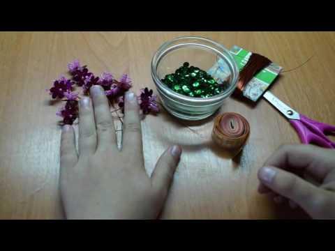 Цветок Азалия из бисера и пайеток.