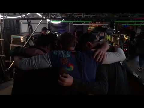 Coldplay's last group hug of the AHFOD tour - Final show