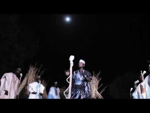 Download SABUWAR WAKAR MUSA JIDDAH LATEST HAUSA SONGS BY NAZIFI ASNANIC