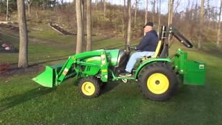 John Deere 2520 4x4 compact tractor